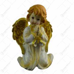 Figurina decorativa pentru Craciun realizata din ceramica - Ingeras cu aripi aurii - 2 modele (Model 4)