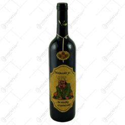 """Vin rosu 0.75l cu eticheta personalizata haioasa din pluta - Design """"Mindenutt jo..."""""""