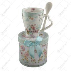 Cana cu lingurtia realizata din ceramica in cutie cadou - Design Roses