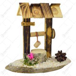 Decoratiune traditionala realizata din lemn - Fantana simplu