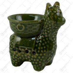 Candela aromaterapie realizata din ceramica in forma de lama - Verde