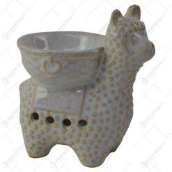 Candela aromaterapie realizata din ceramica in forma de lama - Alb