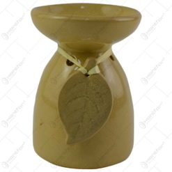 Candela aromaterapie realizata din ceramica - Design cu frunza - Bej