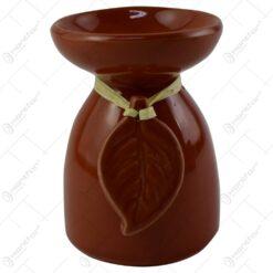 Candela aromaterapie realizata din ceramica - Design cu frunza - Maro