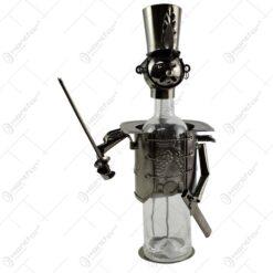 Suport realizat din metal pentru sticla de vin - Calaret