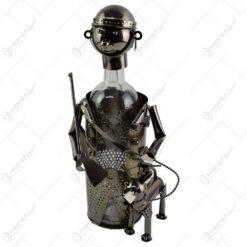 Suport realizat din metal pentru sticla de vin - Vanator