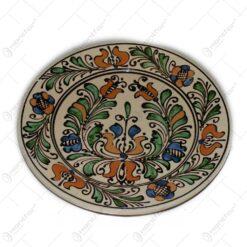 Farfurie din ceramica de Corund pictat cu motive traditionale