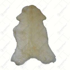 Covoras dcorativ realizat din blana naturala