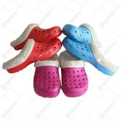 Papuci realizat din material textil si cauciuc