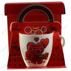 """Cana realizata din ceramica in cutie cadou - Design cu inimioare si inscriptia """"Love"""" - Diverse modele"""