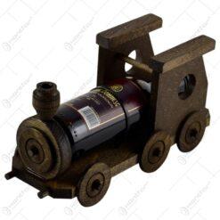 Sticla de vin pe suport realizat din lemn in forma de locomotiva