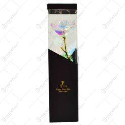 Trandafir realizat din plastic cu led in cutie cadou - Multicolor (Model 1)