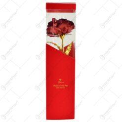 Trandafir realizat din plastic in cutie cadou - Rosu (Model 3)