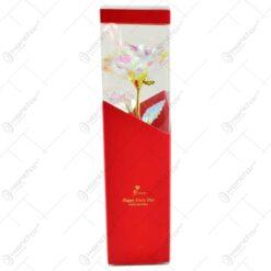 Trandafir realizat din plastic in cutie cadou - Multicolor (Model 2)