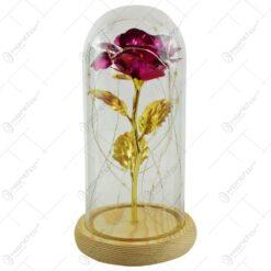 Trandafir in cupola de sticla decorat cu lumini led - Ciclam
