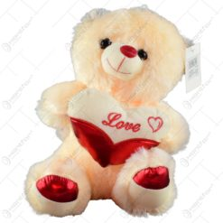 "Ursulet realizat din plus - Design cu inimioara si mesajul ""Love"" (Model 2)"