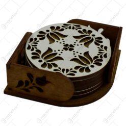 Set 6 suporturi realizate din lemn pentru pahare - Design traditional cu flori (Model 1)