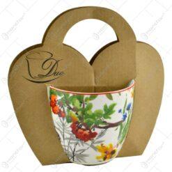 Cana din portelan 460 ml in ambalaj decorativ - Design cu flori si plante