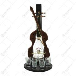 Suport lemn cu sticla si pahare de tuica realizat din lemn in forma de vioara. - Medie
