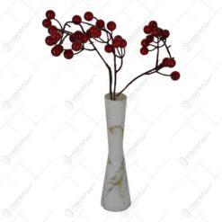 Pick decoratiune cu bobite rosii - Diverse modele