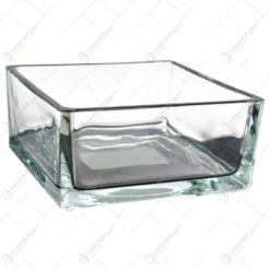 Candela realizata din sticla in forma patrata