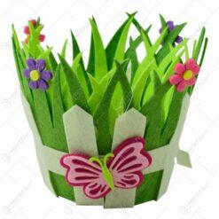 Cos decorativ de Paste realizat din pasla - Design cu flori si fluturi