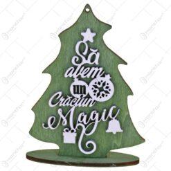 "Decoratiune de Craciun realizat din lemn in forma de brad - Design inscriptionat ""Sa avem un Craciun magic"""