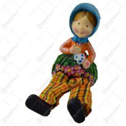Pereche de figurine decorativa realizata din ceramica cu picioare din textil (Model 6)