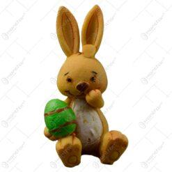 Figurina iepuras de Paste realizata din rasina - Iepuras cu ou/ciuperca