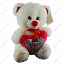 "Ursulet realizat din plus - Design cu inimioara si mesajul ""Love"" (Model 1)"