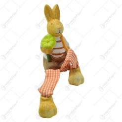 Figurina iepuras de Paste realizata din ceramica cu picioare din textil - Iepuras cu ou/floare - 2 modele