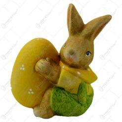 Figurina iepuras de Paste realizata din ceramica - Iepuras cu ou colorat - 2 modele (Model 5)