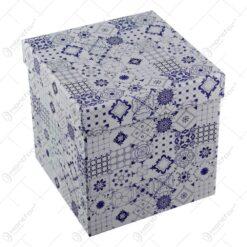Acest set contine trei cutii in forma cub cu marimi diferite de la mic la mare