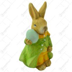 Figurina iepuras de Paste realizata din ceramica - Iepuras cu ou colorat - 2 modele (Model 7)