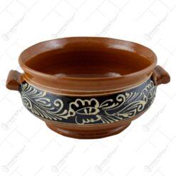 Supiera din ceramica glazurata si decorata cu motive populare