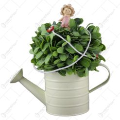 Stropitoare decorat cu flori si cu o figurina