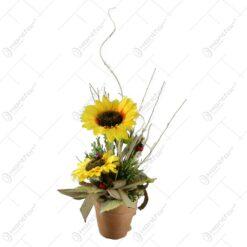 Ghiveci de lut decorat cu floarea soarelui