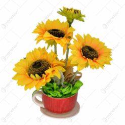 Ghiveci tip ceasca din ceramica cu floarea soarelui
