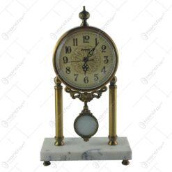 Ceas de masa lux din metal si marmura alba 40 CM