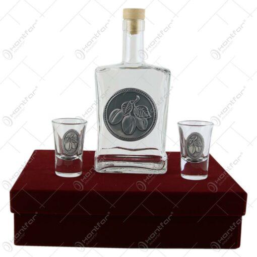 Sticla de tuica cu doua pahare cu etichete decorative metalice - Prune