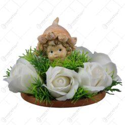 Ornament decorativ cu trandafiri de sapun