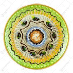 Farfurie decorativa realizata manual din ceramica de Horezu - Design Traditional (Tip 2)