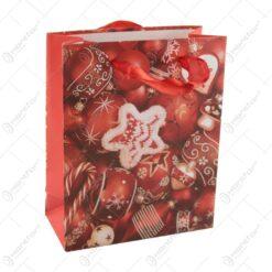 Punga cadou Craciun din hartie 11x14 CM - Rosu/Globuri de brad