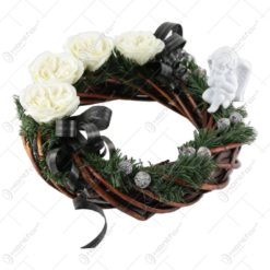 Coronita decorativa pentru cimitir cu trandafiri de sapun si ingeras 32 CM