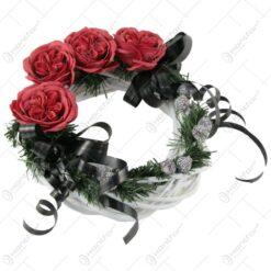 Coronita decorativa pentru cimitir cu trandafiri de sapun 28 CM