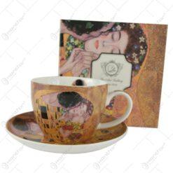 """Ceasca portelan 450 ml cu farfurie """"Sarutul"""" de Gustav Klimt in cutie decorativa"""
