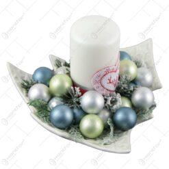 Decoratiune Craciun pentru masa cu globuri si lumanare 23 CM