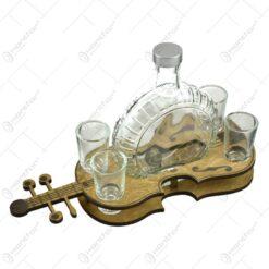 Suport vioara din lemn cu o sticla si 4 pahare pentru bauturi spirtoase
