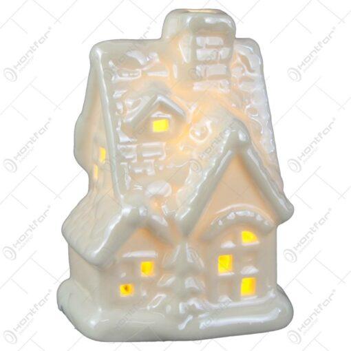 Casuta decorativa de Craciun din ceramica cu led 9 CM