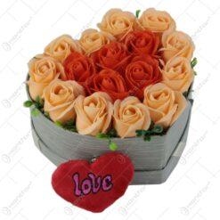 Cutie Inima cu trandafiri de sapun 18x11 CM
